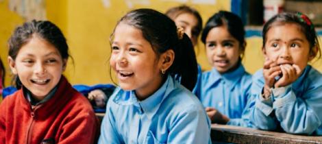 遠山呼喚長期陪伴尼泊爾貧童上學