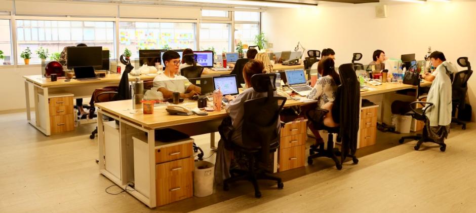 提供寬敞舒適、現代化的辦公設備