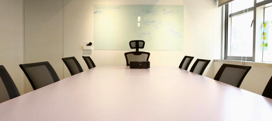 簡潔明亮的會議室,自由發揮工作上的創意