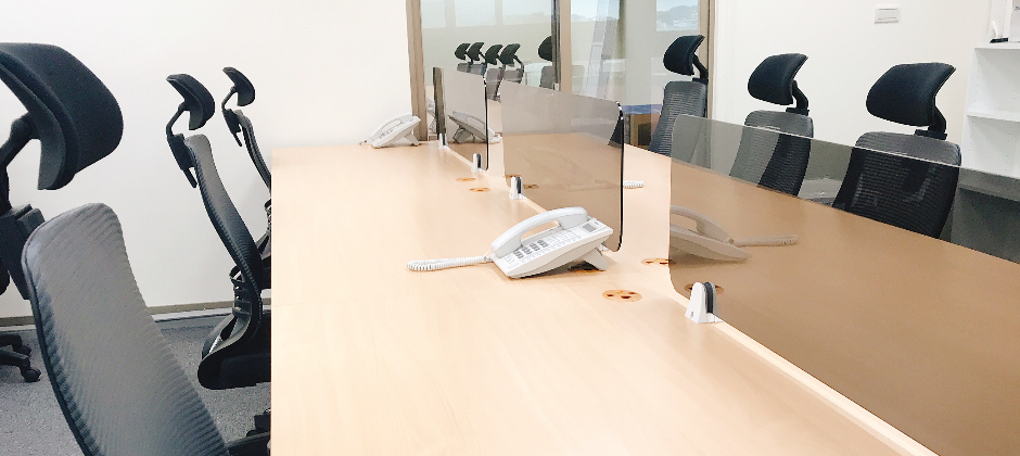 辦公室座位寬敞,提供符合人體工學椅子
